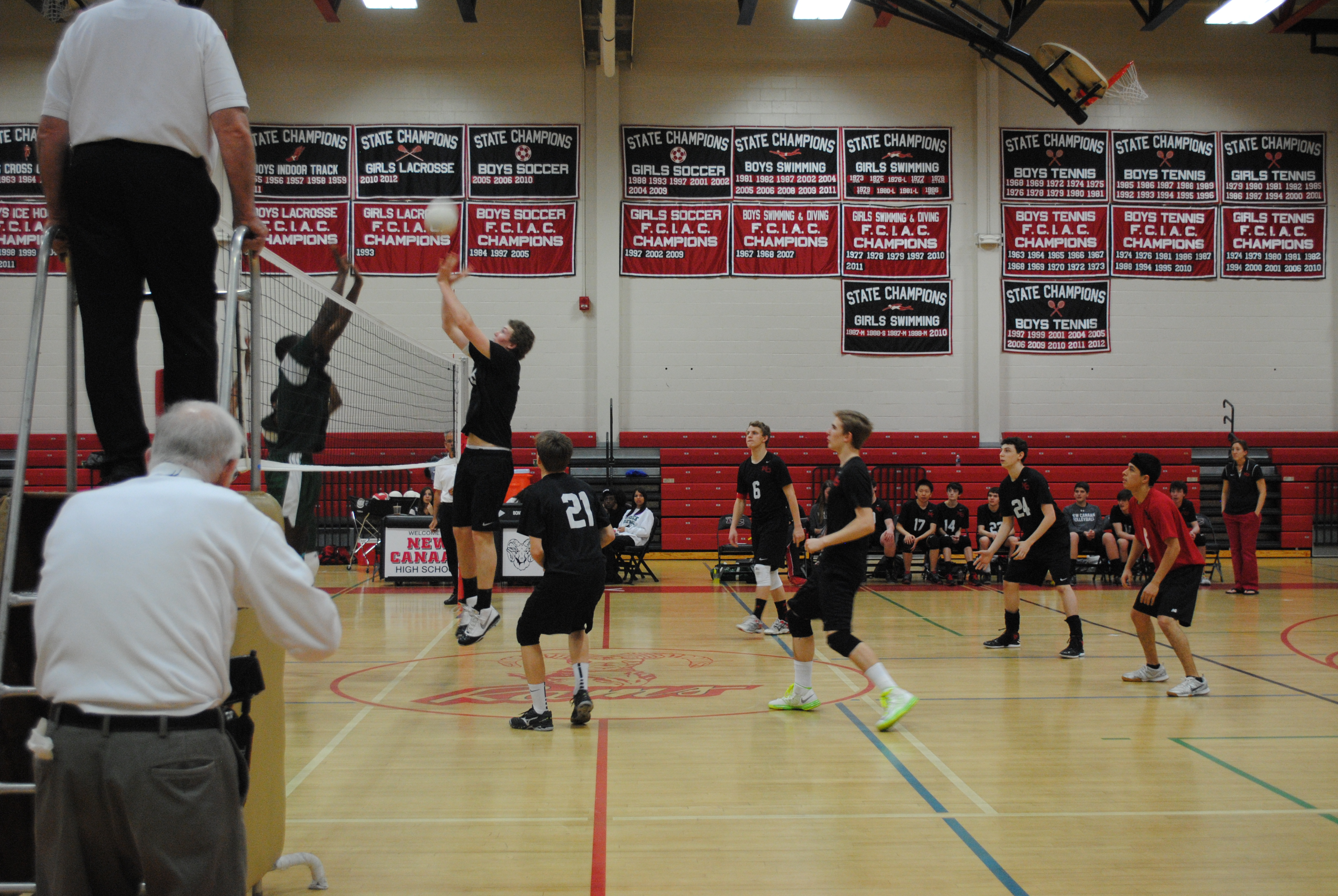 Boys' volleyball works hard to spike the competition